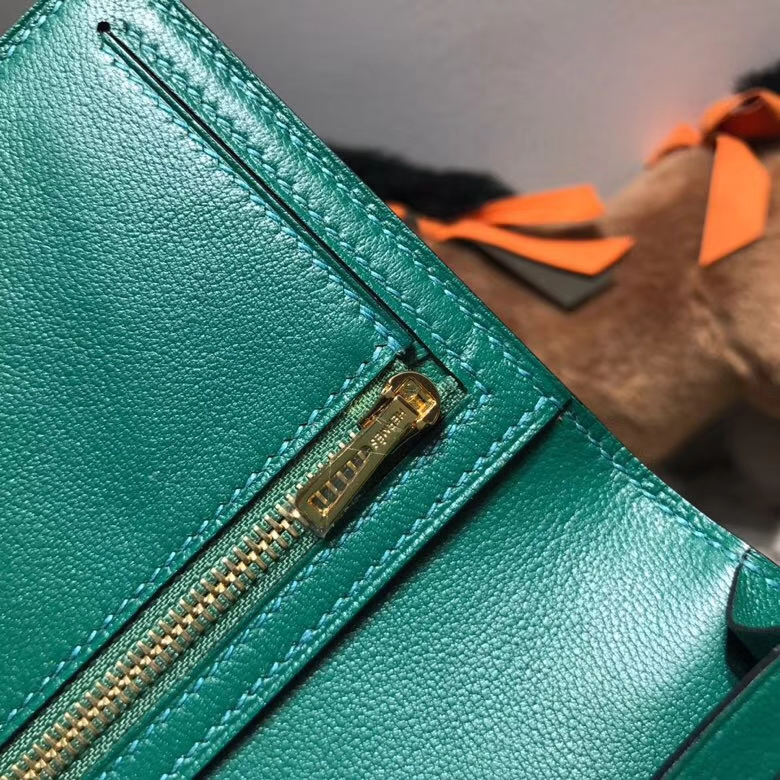 Hermès(爱马仕)bearn两折钱夹鸵鸟皮 U4 Vertigo 丝绒绿 金扣