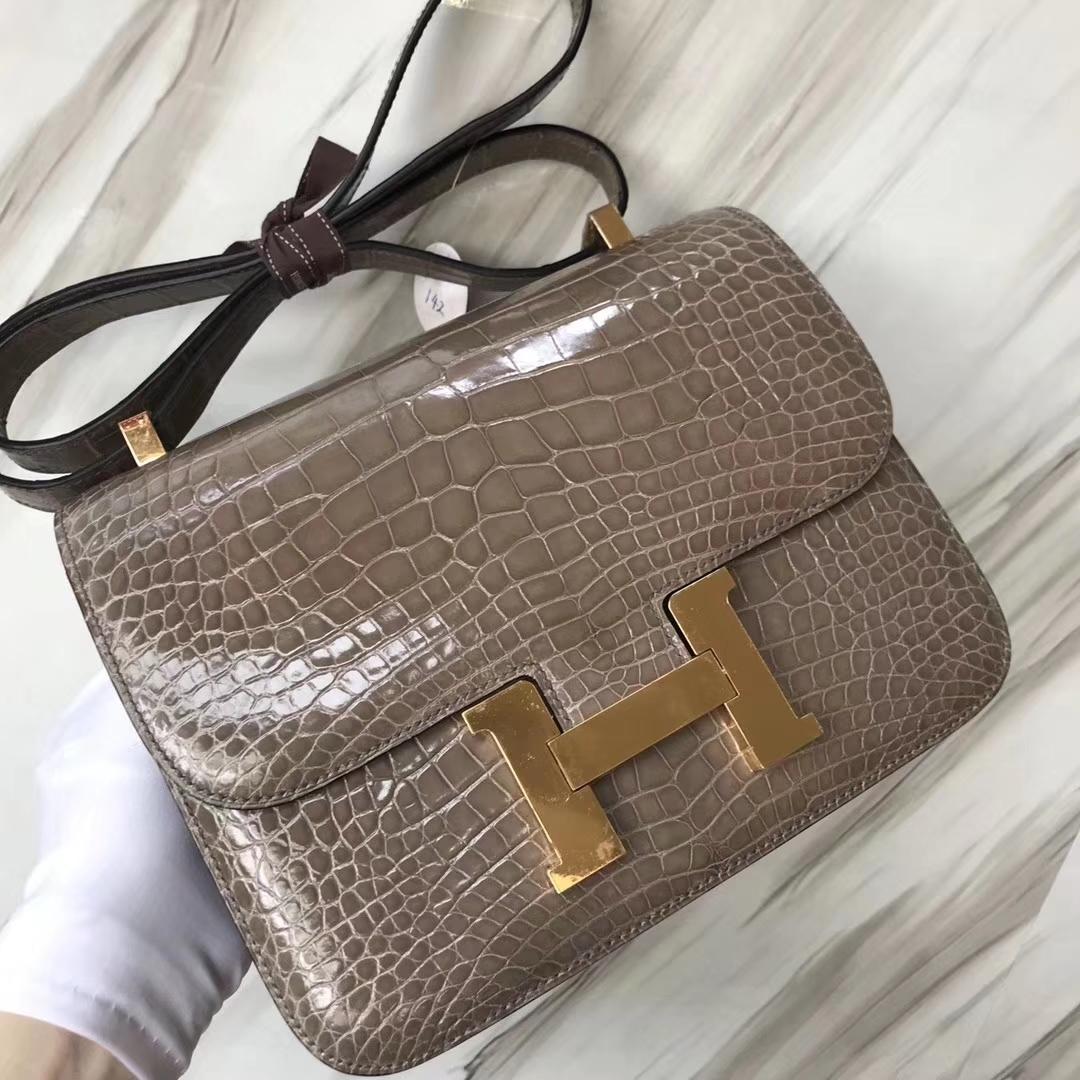 Hermès(爱马仕)Constance空姐包 Alligator shiny 亮面鳄鱼 ck81 斑鸠灰 金扣 顶级手缝 24cm
