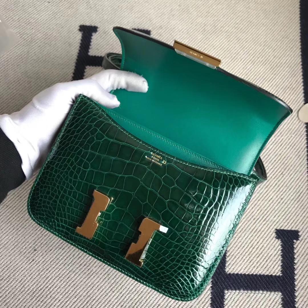 Hermès(爱马仕)Constance空姐包 Alligator shiny 亮面鳄鱼  ck67 祖母绿 金扣 顶级现货 18cm