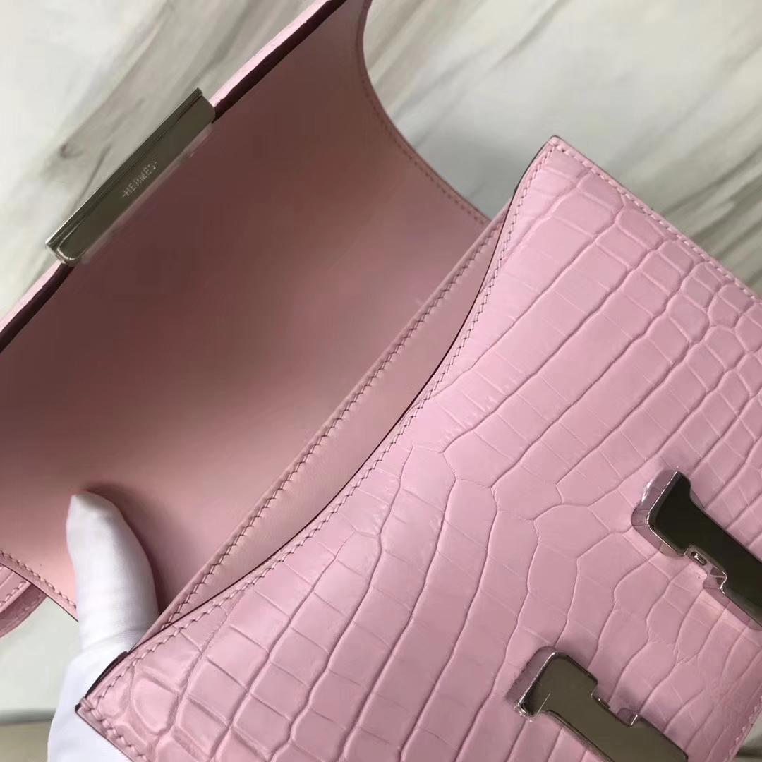 Hermès(爱马仕)Constance空姐包 Crocodile matt 雾面鳄鱼 5p 樱花粉 银扣 18cm 顶级现货