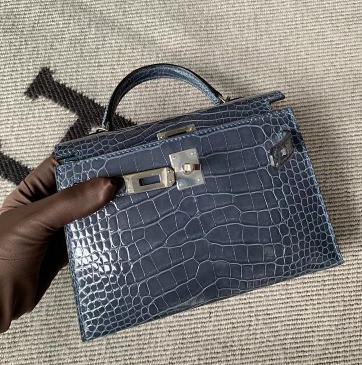 Hermès(爱马仕)Mini Kelly迷你凯莉包 亮面方块 美洲鳄鱼 风暴蓝 银扣 2代 现货