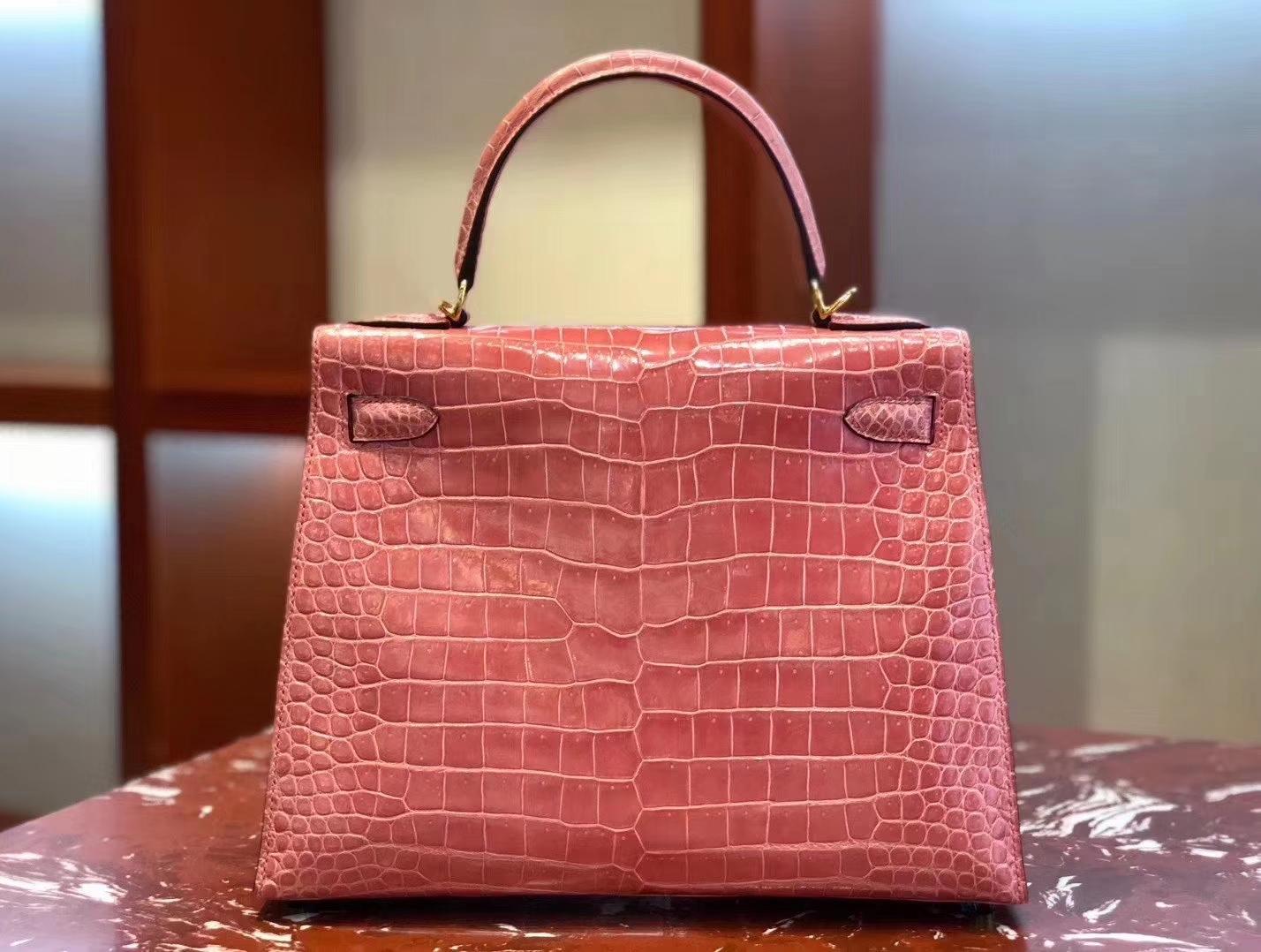 Hermès(爱马仕)Kelly 凯莉包 亮面澳洲湾湾 蜜桃粉 蜡线全手工 金扣 28cm