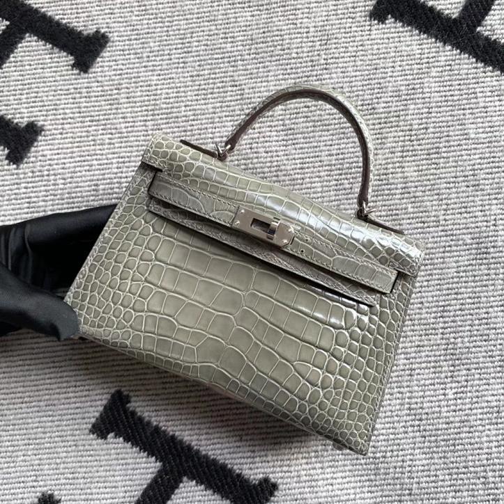 Hermès(爱马仕)Mini Kelly 迷你凯莉 斑鸠灰 亮面美洲鳄鱼 银扣 2代
