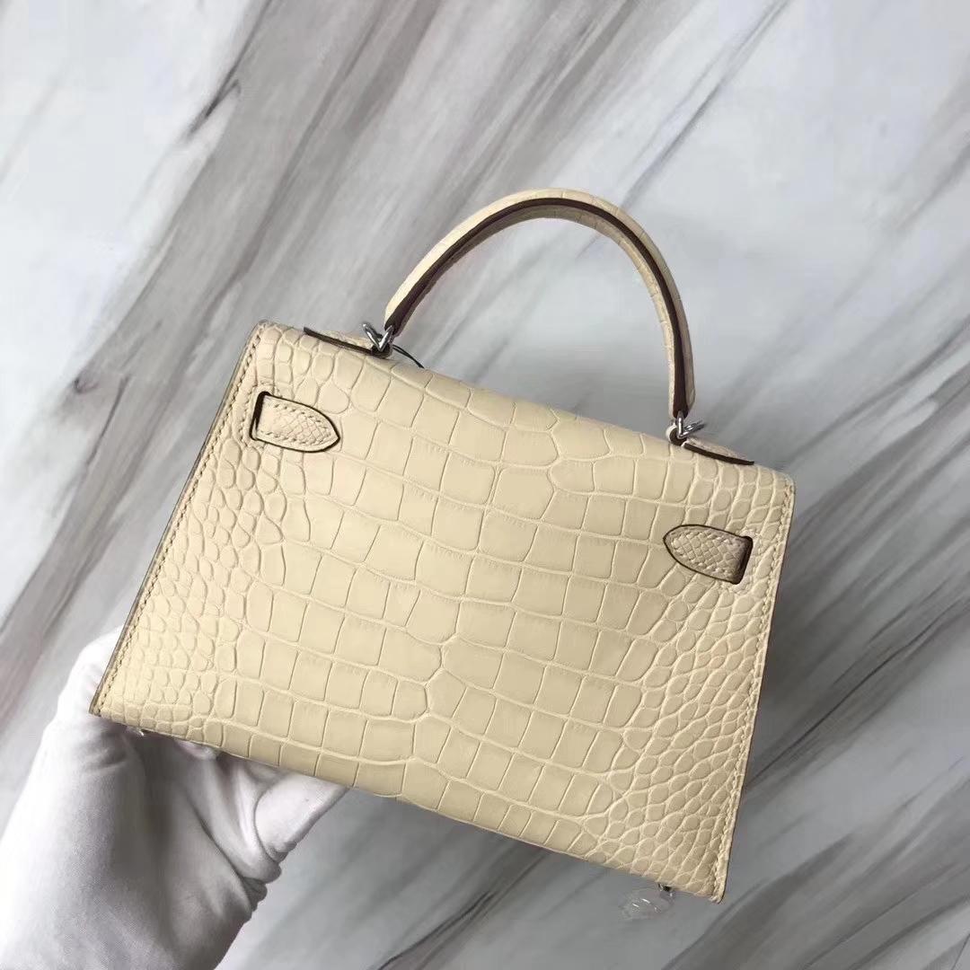 Hermès(爱马仕)Mini Kelly 迷你凯莉 雾面框框美洲鳄 Y1香草色 顶级工艺 蜡线全手工 银扣 19cm 2代