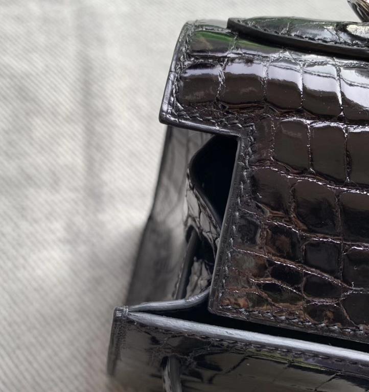 Hermès(爱马仕)Kelly 凯莉包 亮面澳洲湾鳄 黑色 银扣 28cm 现货
