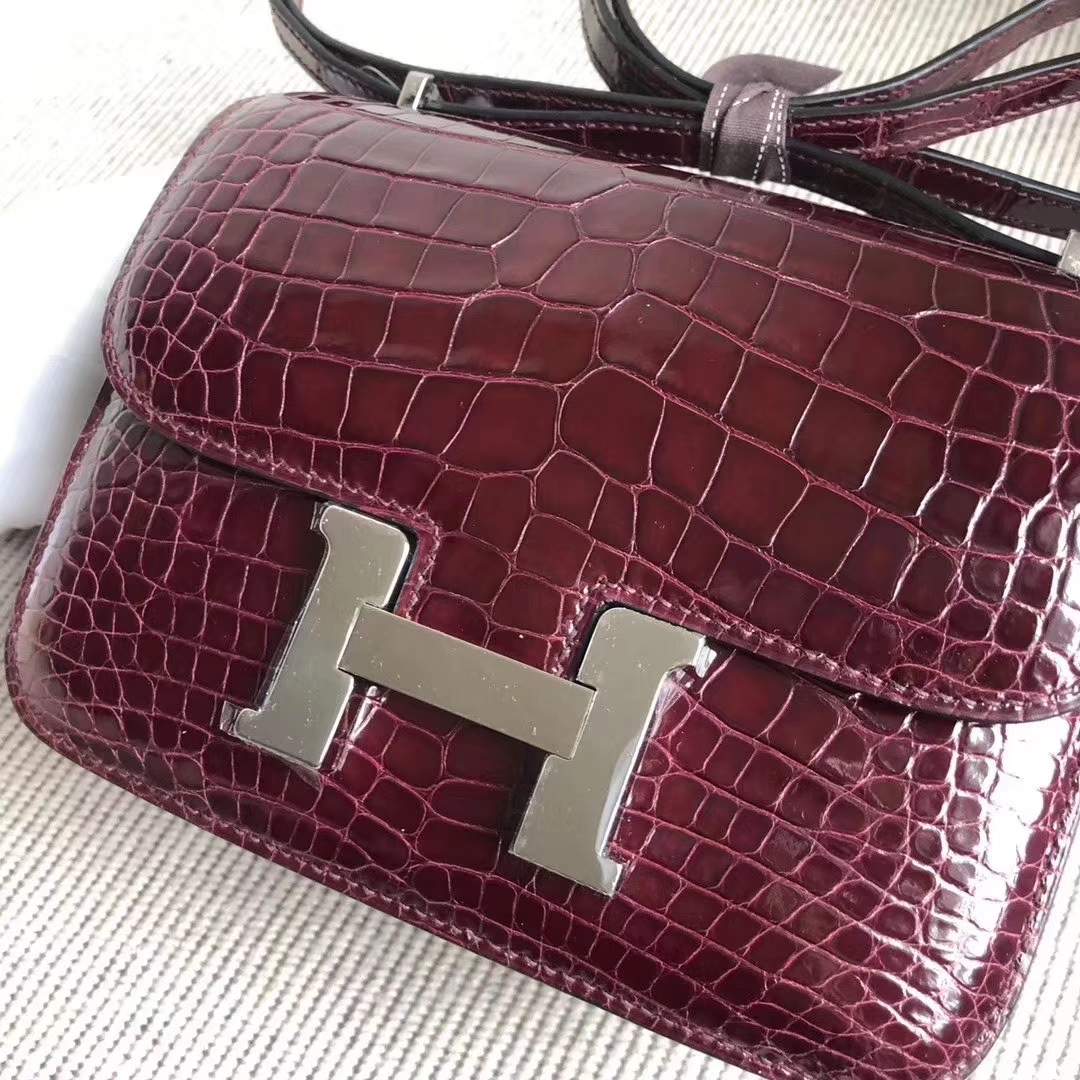 Hermès(爱马仕)Constance 空姐包 Alligator shiny 亮面鳄鱼 ck57 波尔多酒红 银扣 18cm 现货