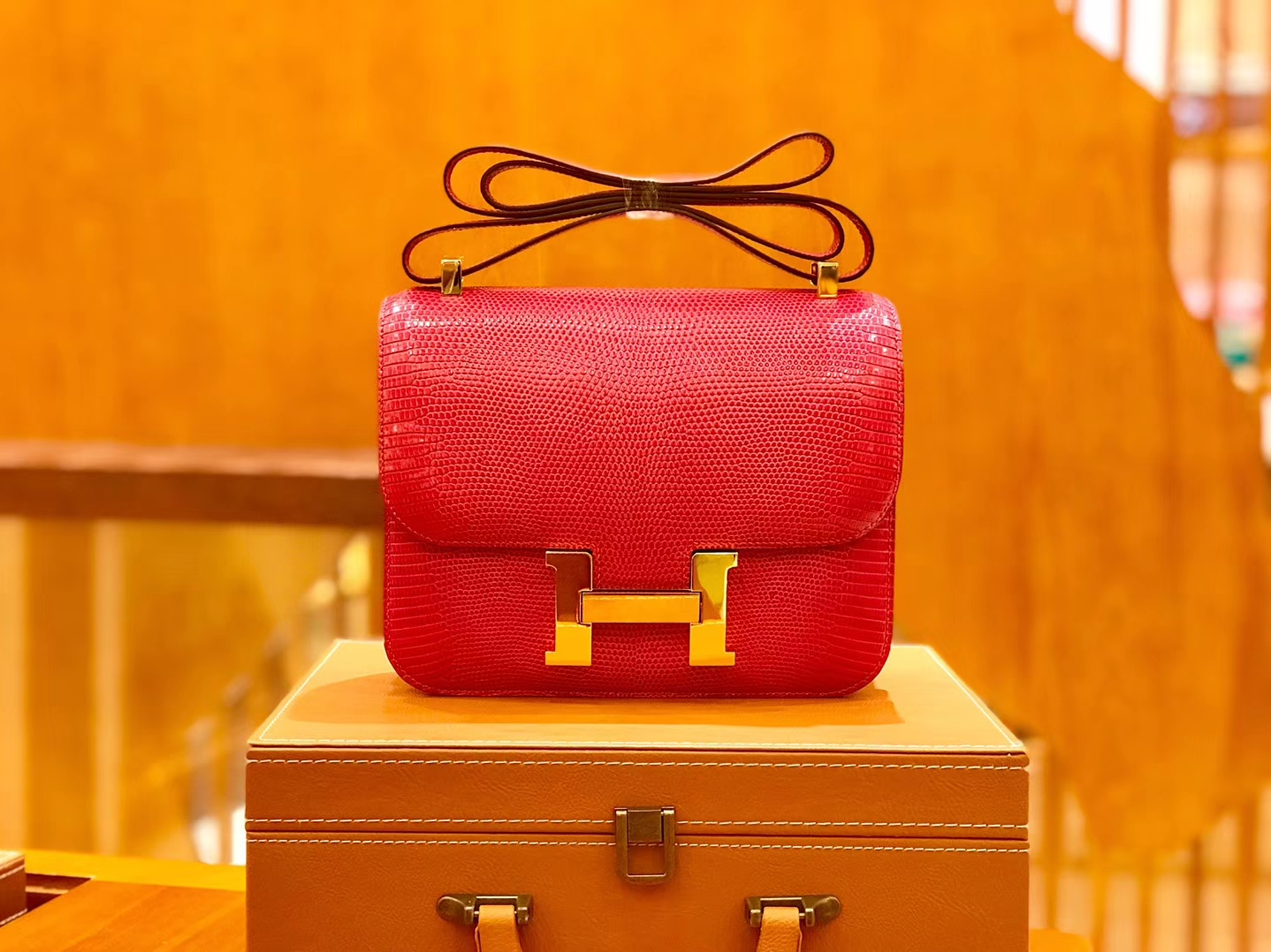 Hermès(爱马仕)Constance 空姐包 蜥蜴皮 桃红色 24cm