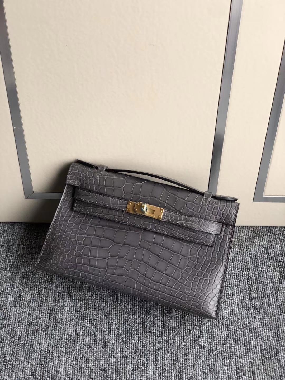 Hermès(爱马仕)Mini kelly pochette 22cm 雾面鳄鱼 巴黎灰 金扣 手拿包 晚宴包 现货