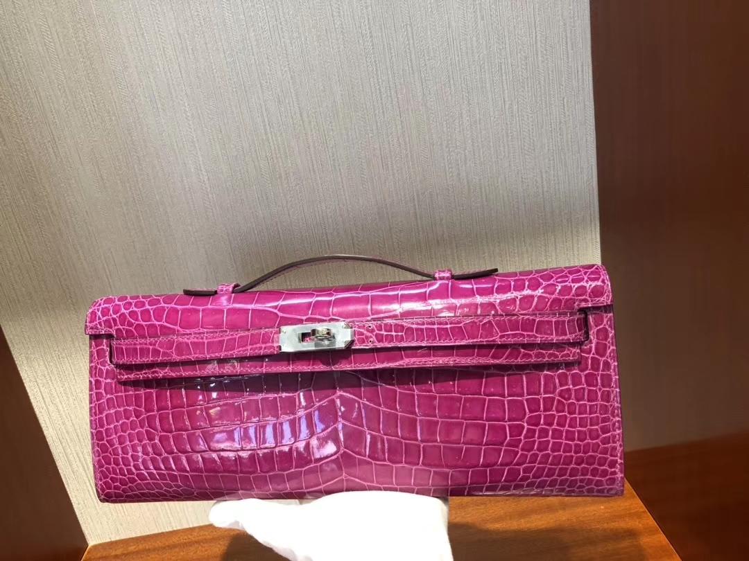 Hermès(爱马仕)Kelly cut 31cm Porosus shiny 亮面澳洲湾鳄鳄鱼 J5 天方夜谭粉紫 银扣 手拿包 晚宴包 现货