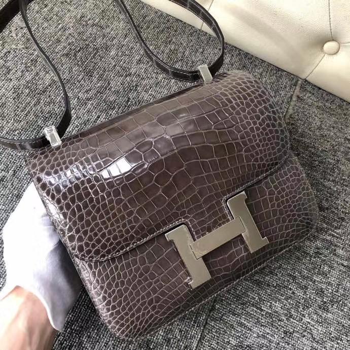 Hermès(爱马仕)Constance 24cm  Alligator shiny 亮面鳄鱼 铅笔灰 银扣 顶级手缝 现货