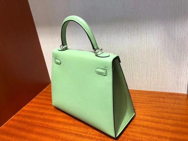 Hermès(爱马仕)Kelly 凯莉包 Epsom 原厂掌纹皮 3I 牛油果绿 银扣 25cm 顶级手缝 现货