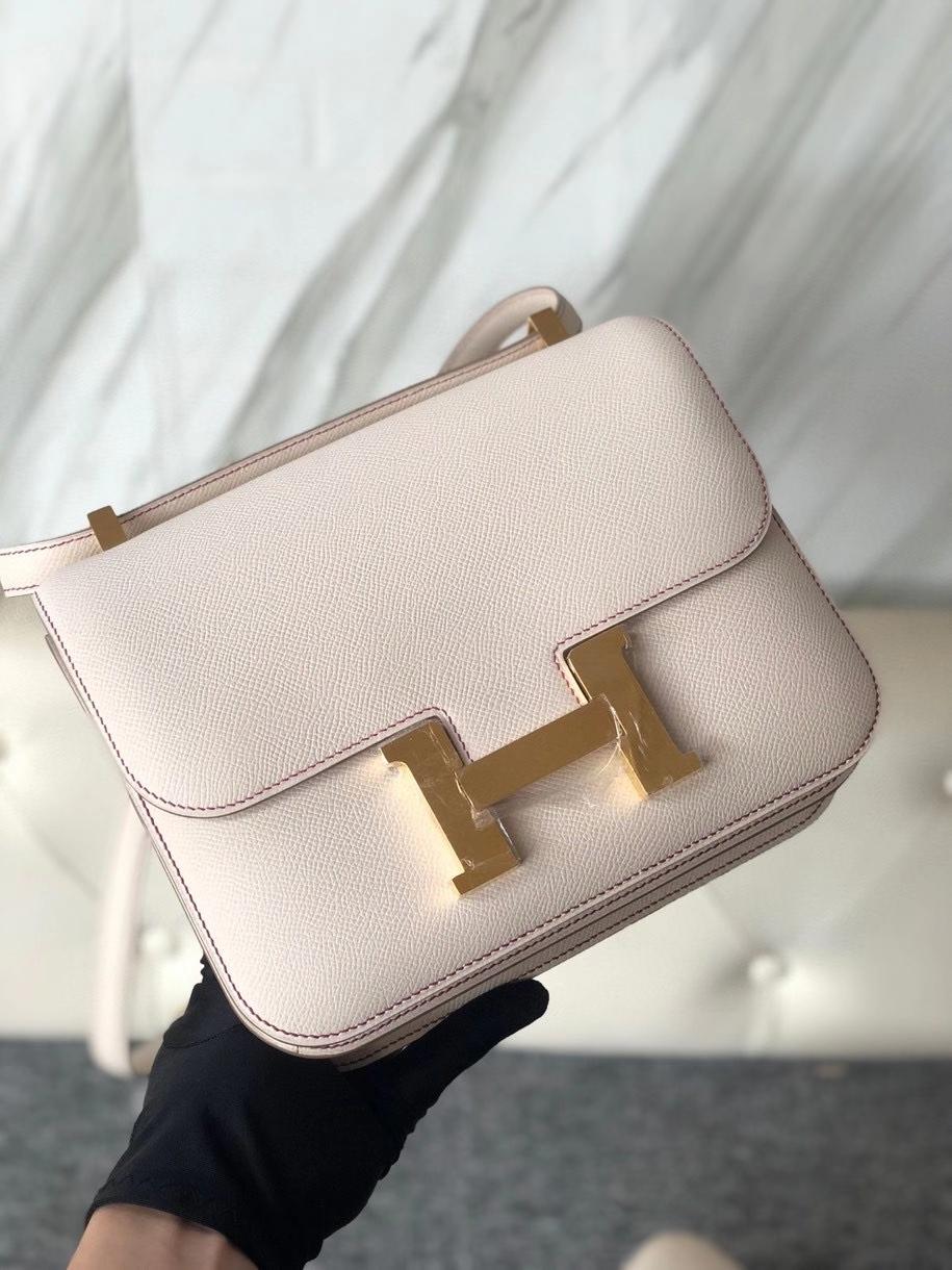 Hermès(爱马仕)Constance 24cm Epsom 原厂掌纹皮 ck10 奶昔白 内拼 玫瑰紫 金扣 马蹄印 定制