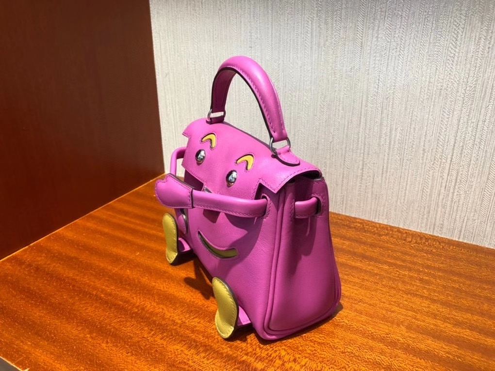 Hermès(爱马仕)Kelly doll swift 玉兰粉拼芝麻黄 银扣