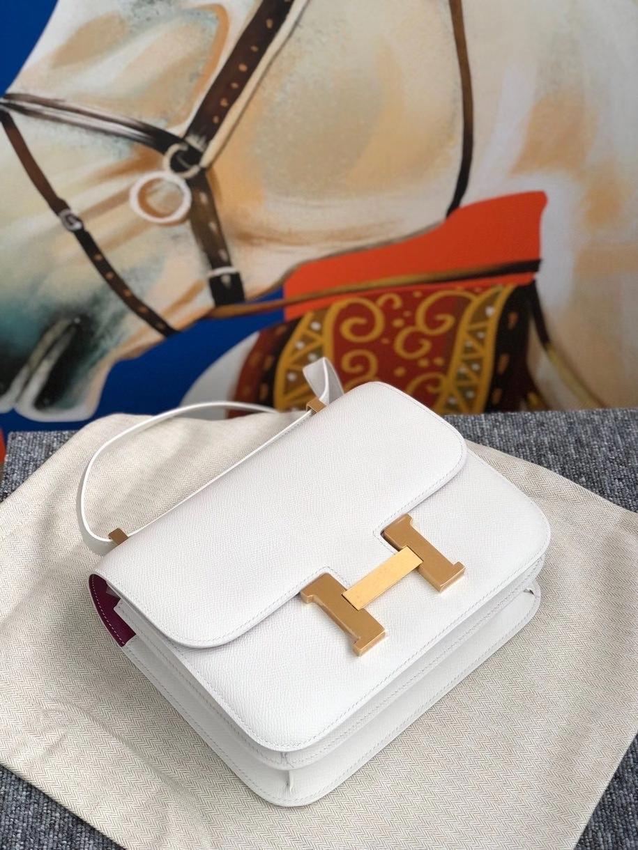 Hermès(爱马仕)Constance 24cm Epsom 原厂掌纹皮 01纯白 White 内拼玫瑰紫 拉丝金扣 现货