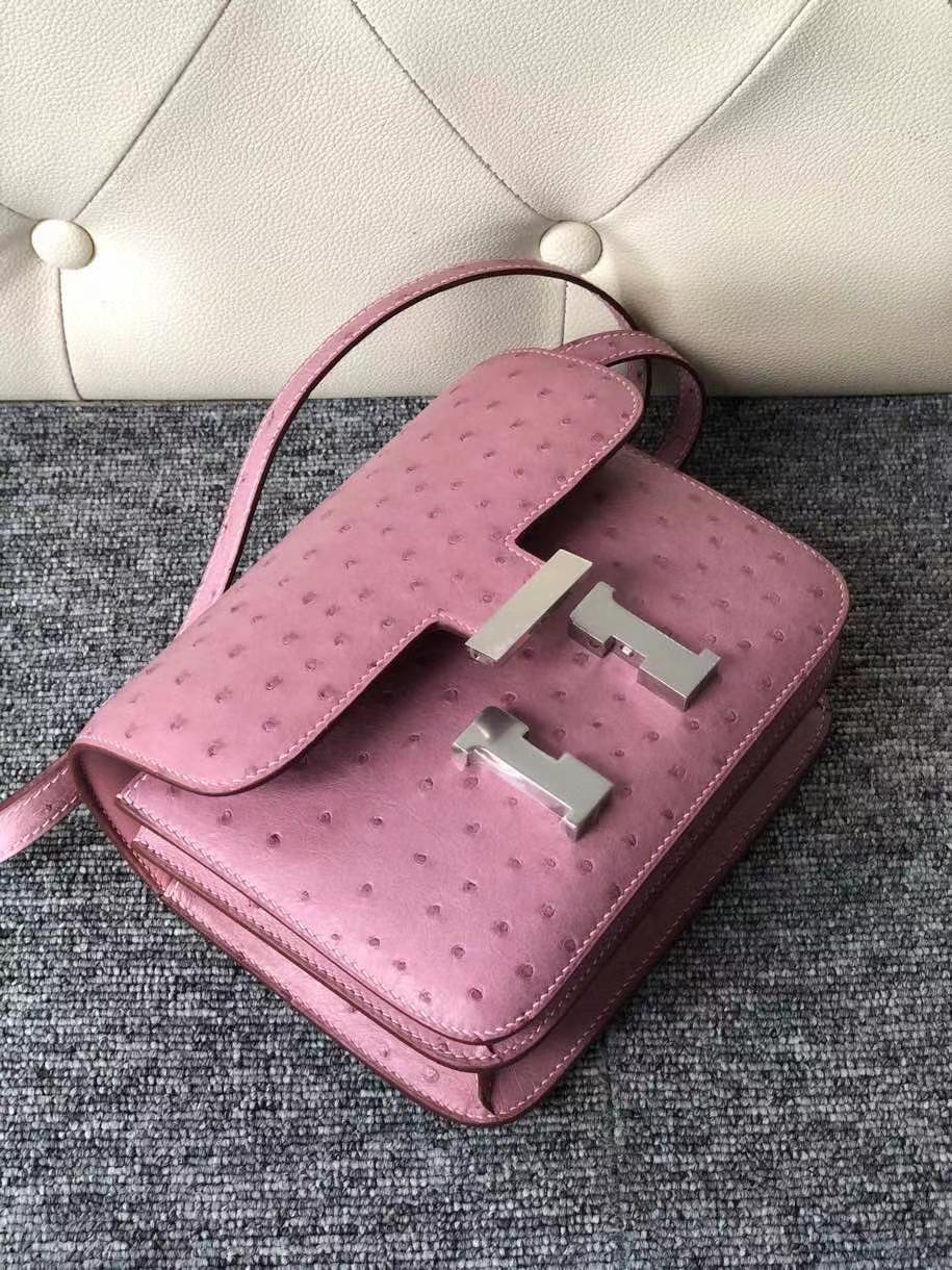 Hermès(爱马仕)Constance 18cm Ostrich kk 鸵鸟 薰衣草粉  银扣 顶级手缝 现货