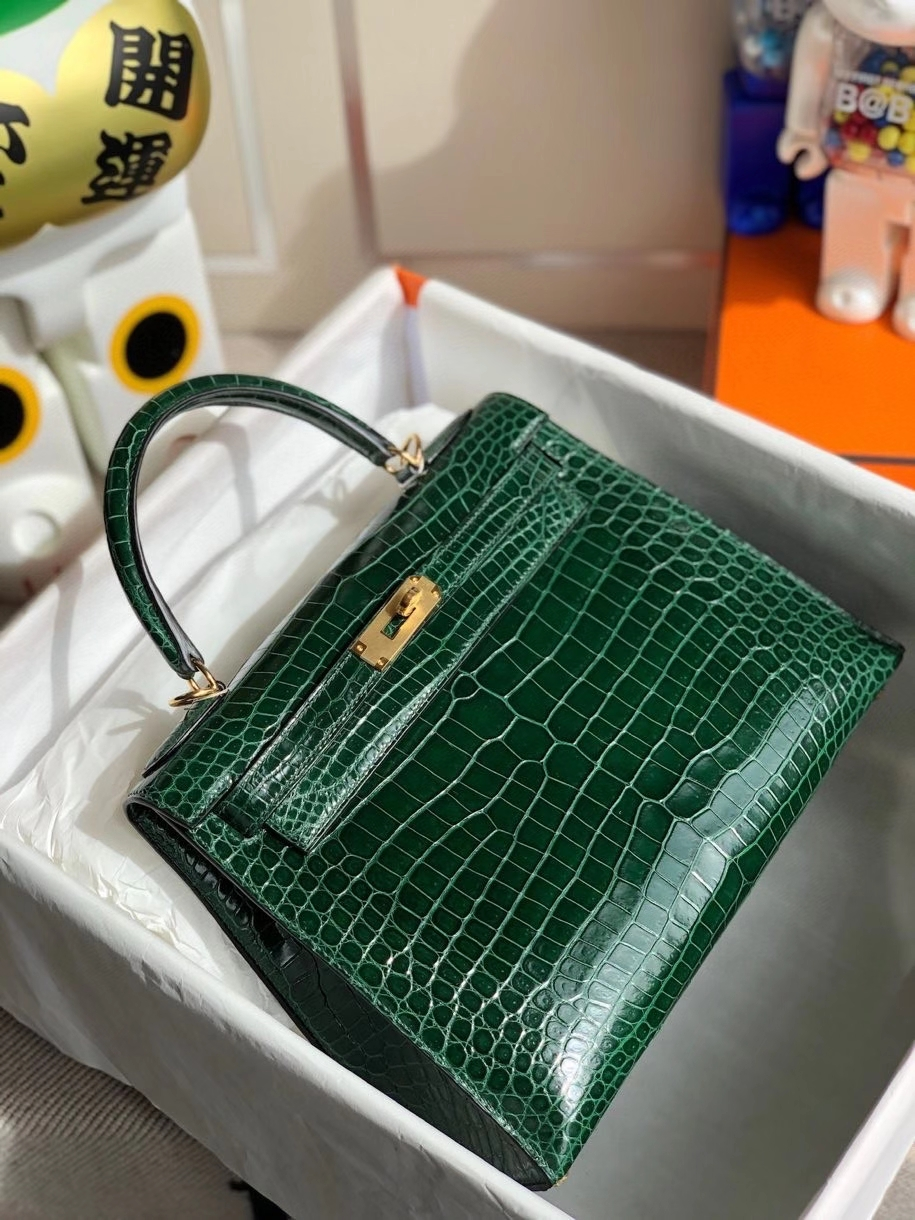 Hermès(爱马仕)Kelly 28cm Porosus shiny 亮面澳洲湾鳄 ck67 祖母绿 金扣 顶级手缝 现货