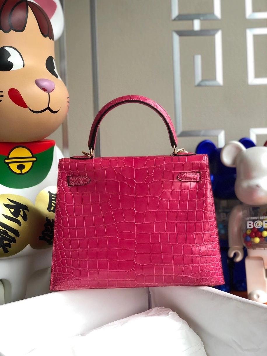Hermès(爱马仕)Kelly 25cm Porosus shiny 亮面澳洲鳄鱼 5J 桃粉 金扣 顶级手缝 现货