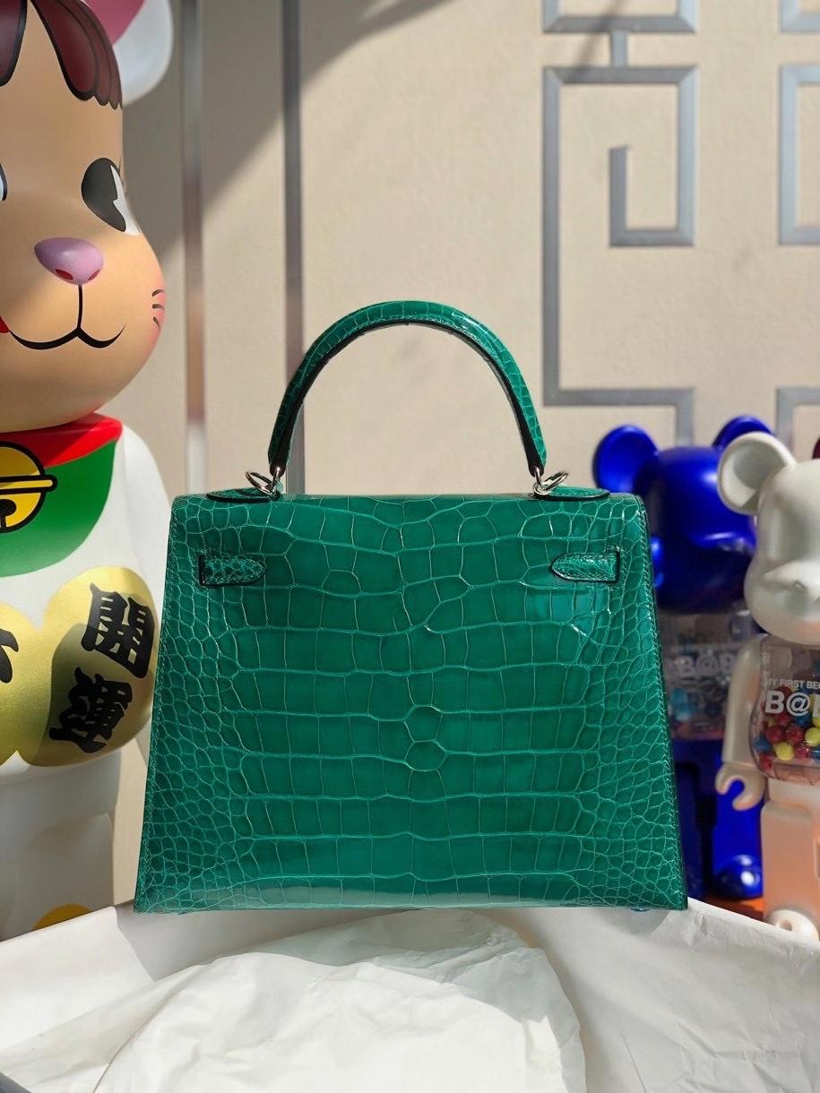 Hermès(爱马仕)Kelly 25cm Alligator shiny 亮面鳄鱼6Q 翡翠绿 银扣 顶级手缝  现货