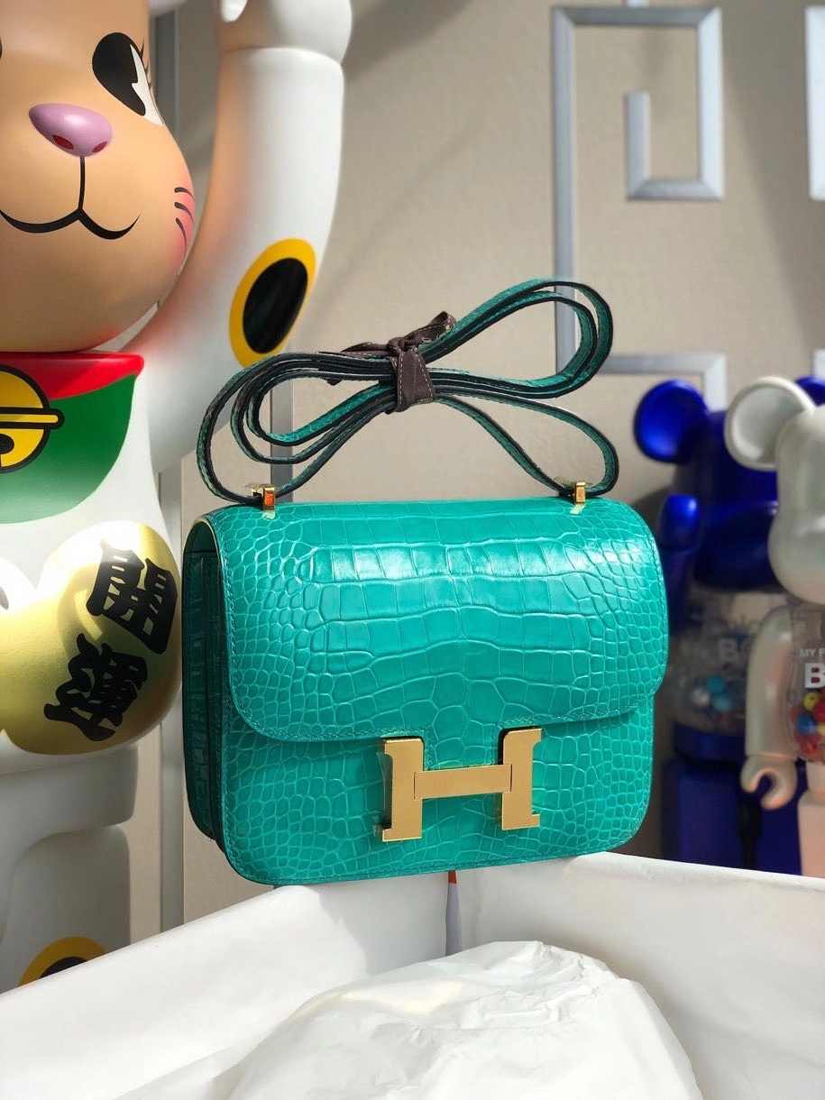 Hermès(爱马仕)Constance 18cm Alligator shiny 亮面鳄鱼 6O 帝王绿 金扣 顶级手缝 现货