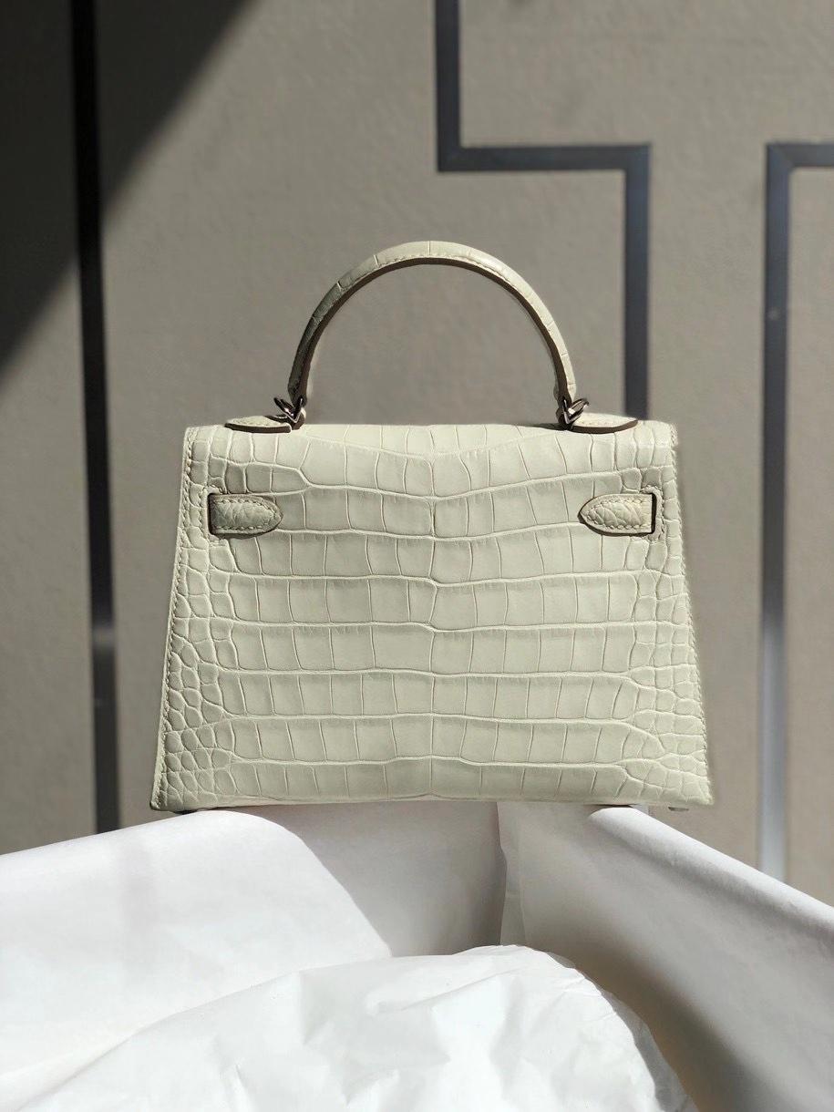 Hermès(爱马仕)Mini kelly ll alligator matt 雾面鳄鱼 8L 奶油白 银扣 顶级手缝 小可爱 现货