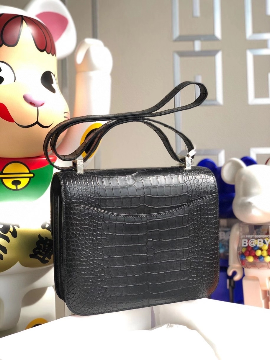 Hermès(爱马仕)Constance 24cm Alligator matt 雾面鳄鱼 ck89 黑色 Noir 银扣 顶级手缝 现货