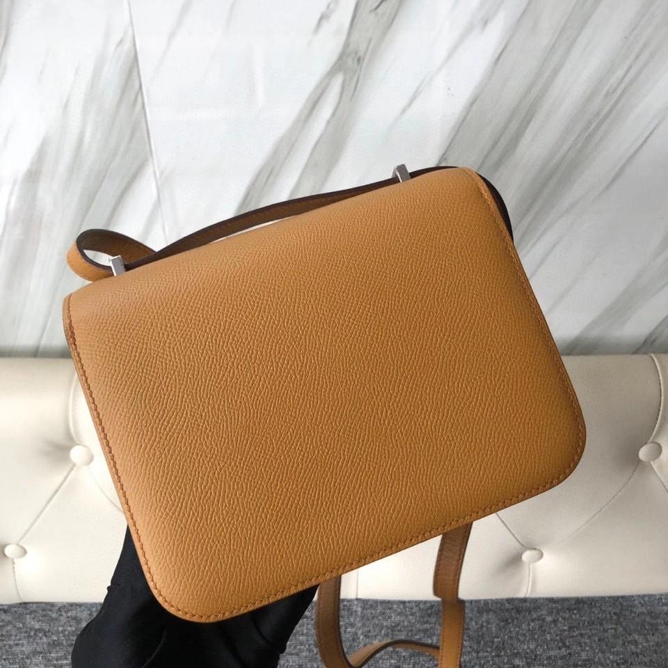 Hermès(爱马仕)Constance 18cm Epsom 原厂掌纹皮  2S 芝麻色 Sesame 银扣