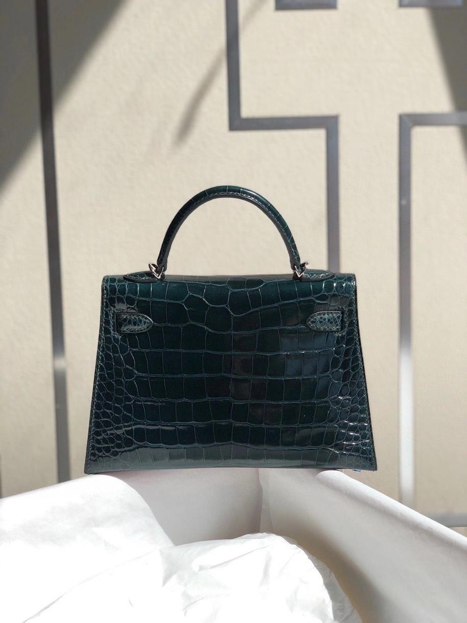 Hermès(爱马仕)Mini kelly ll alligator shiny 亮面鳄鱼 6O柏树绿 银扣 顶级手缝 小可爱 现货
