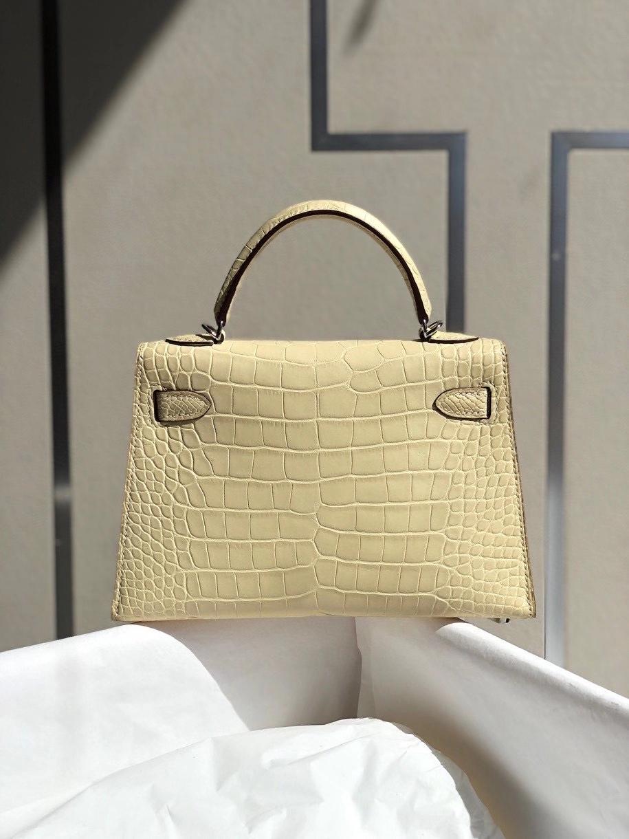 Hermès(爱马仕)Mini kelly ll alligator matt 雾面鳄鱼 Y1 香草色 银扣 顶级手缝 小可爱 现货