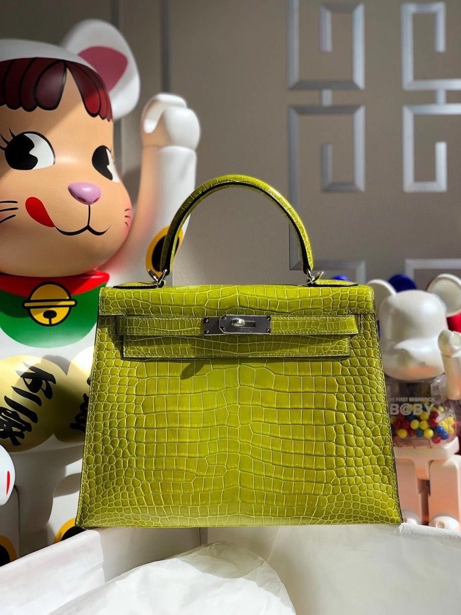 Hermès(爱马仕)Kelly 28cm porosus shiny 亮面澳洲湾鳄 6R奇异果绿 银扣 顶级手缝 现货