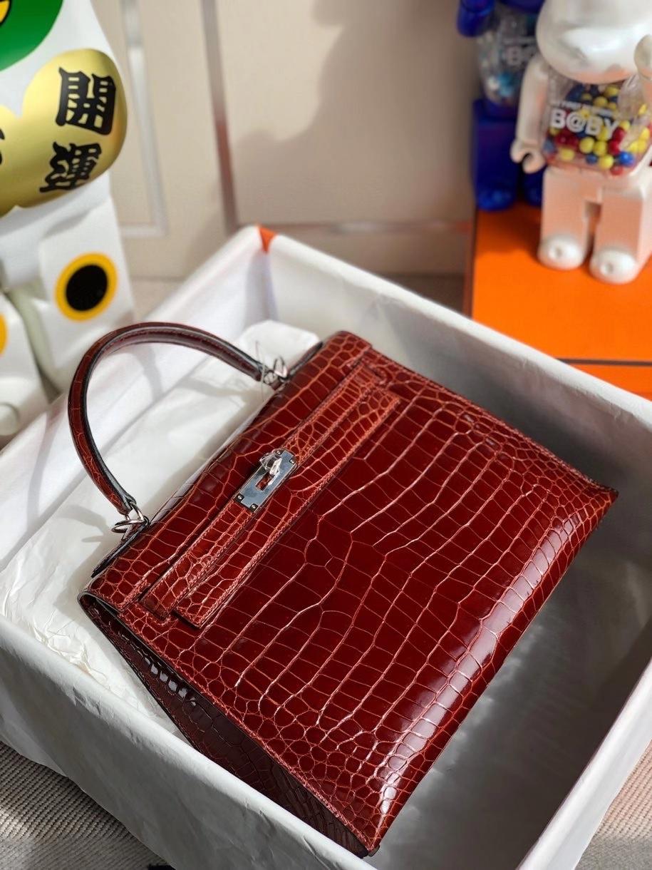 Hermès(爱马仕)Kelly 28cm porosus shiny 亮面澳洲湾鳄 ck31蜜糖棕 Miel 银扣 顶级手缝 现货