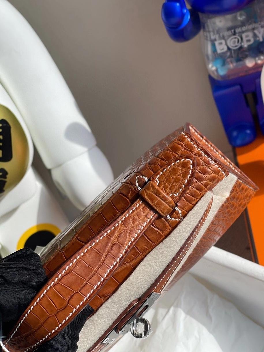 Hermès(爱马仕)Minikelly pochette 22cm Alligator matt 雾面鳄鱼 ck37 马鞍色 银扣 顶级手缝 手拿包