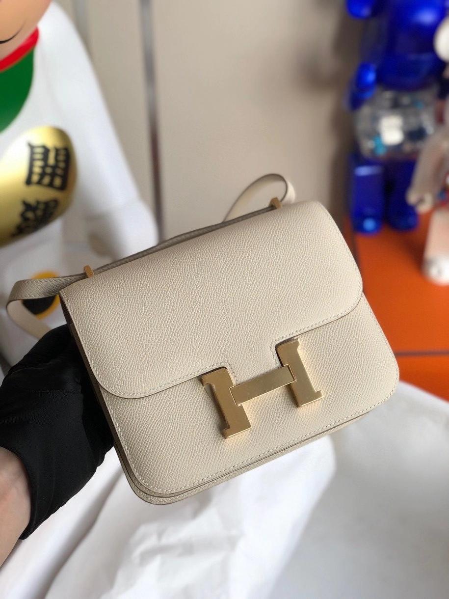 Hermès(爱马仕)Constance 18cm Epsom 原厂掌纹皮 ck10 奶昔白 Craie 金扣 顶级手缝 定制