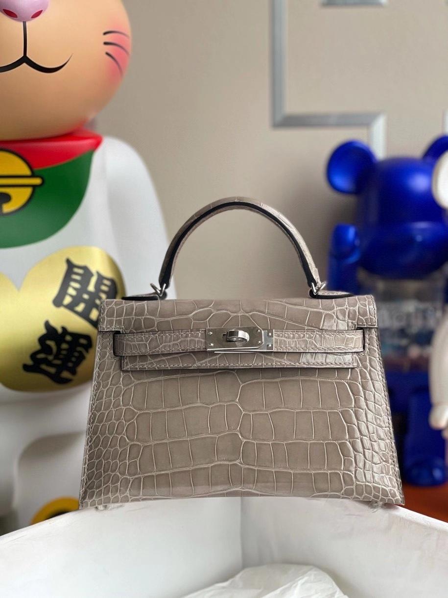 Hermès(爱马仕)Minikelly ll Alligator shiny 亮面鳄鱼 ck81 斑鸠灰 银扣 顶级手缝 现货