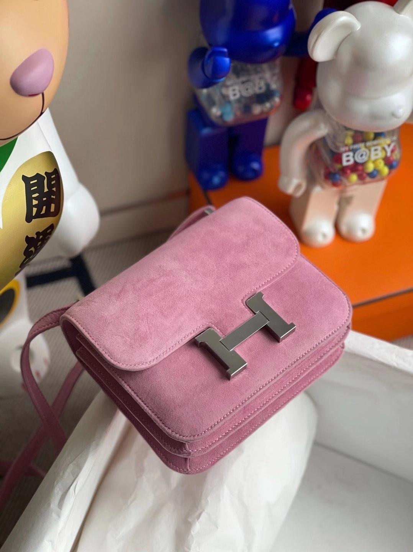 Hermès(爱马仕)Constance 19cm 麂皮 1Q奶昔粉 银扣 客定