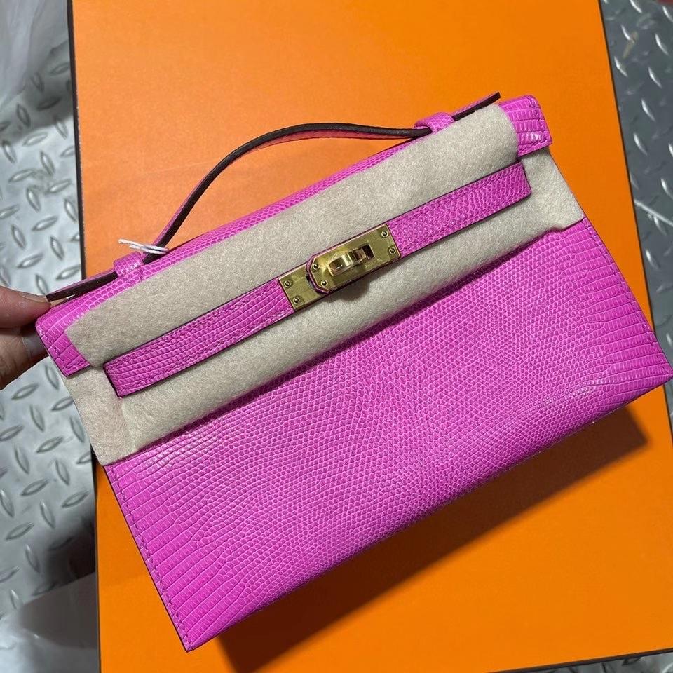 Hermès(爱马仕)mini kelly pochette 22cm  Lizard 进口亮面蜥蜴 i9玉兰粉 拉丝金扣 顶级手缝 定制