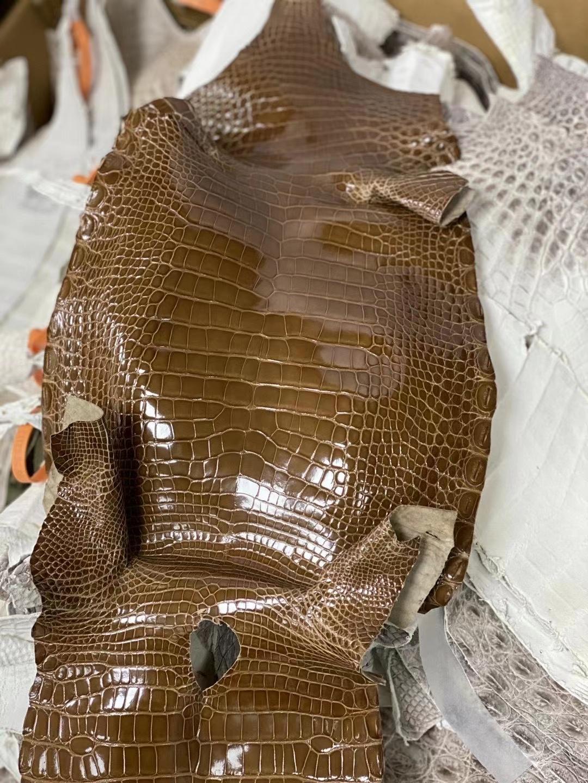 Hermès(爱马仕)Alligatorshiny 亮面鳄鱼 烟草色 定制
