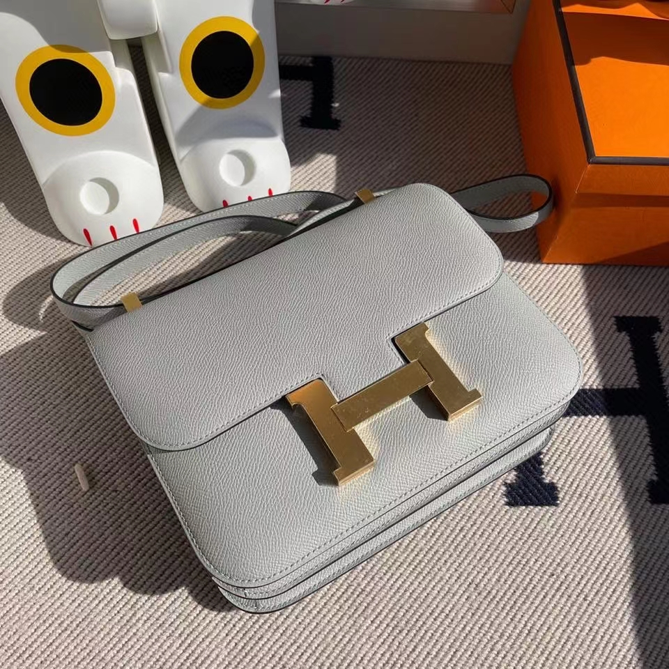 Hermès(爱马仕)Constance 24cm Epsom 原厂掌纹皮 U8 冰川蓝 金扣
