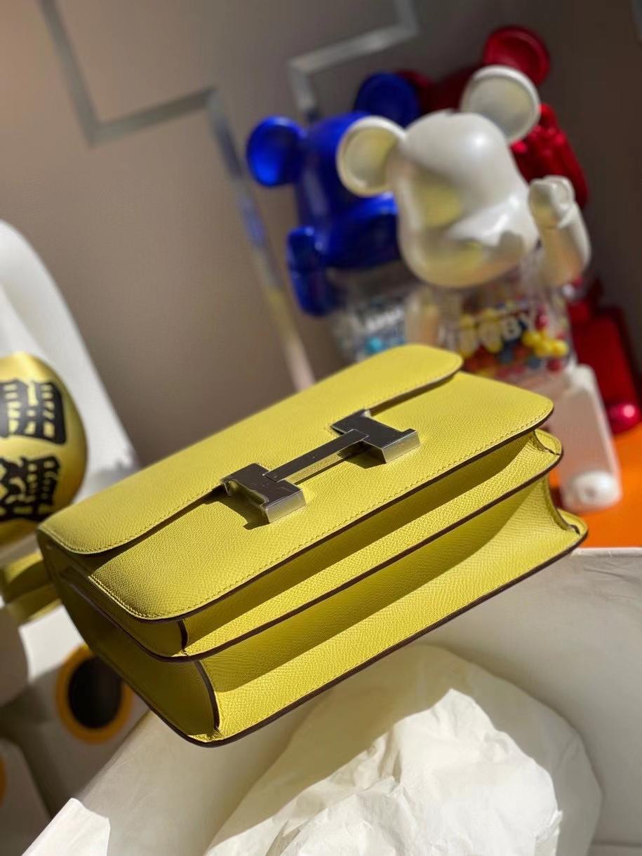 Hermès(爱马仕)Constance 24cm Epsom 原厂掌纹皮 鹅蛋黄 银扣