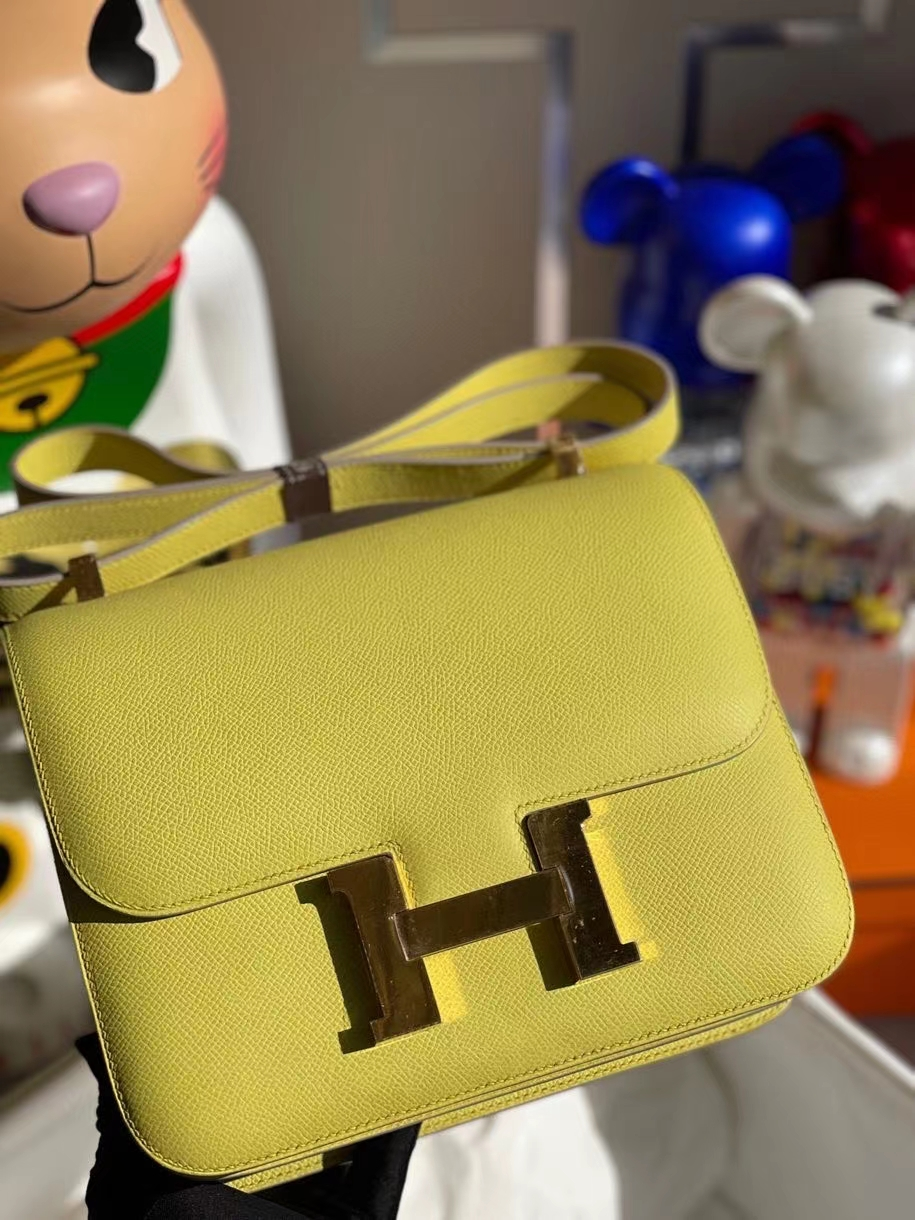 Hermès(爱马仕)Constance 24cm Epsom 原厂掌纹皮 鹅蛋黄 金扣