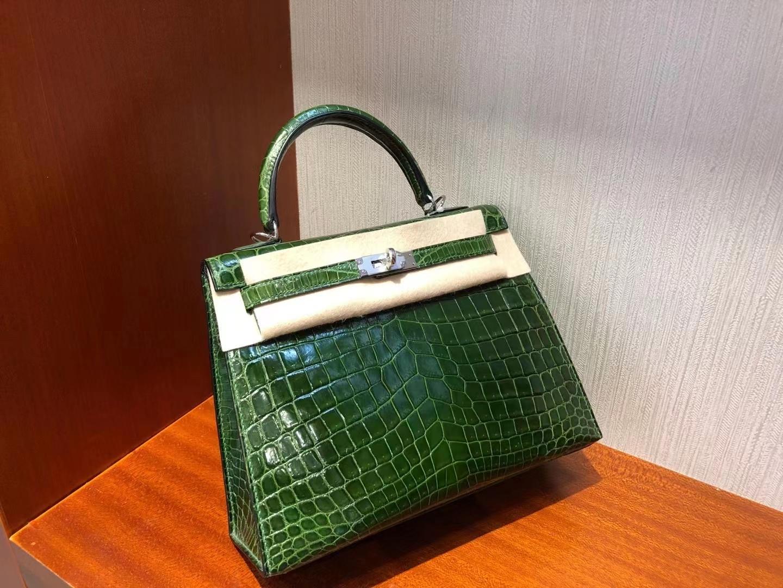 Hermès(爱马仕)Kelly 25cm 丛青草绿 银扣 亮面鳄鱼 顶级手缝