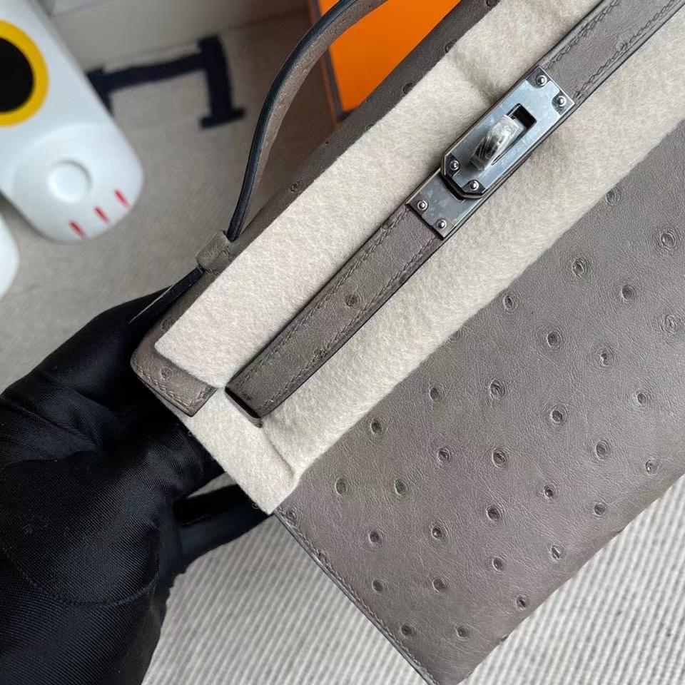 Hermès(爱马仕)Mini kelly pochette 22cm Ostrich kk鸵鸟  ck81斑鸠灰 银扣 顶级手缝 手拿包 晚宴包