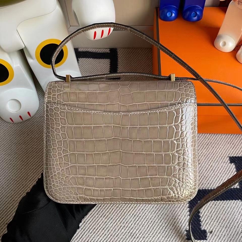 Hermès(爱马仕)Constance 18cm Alligator shiny 亮面鳄鱼 ck81 斑鸠灰 Gris T 金扣 顶级手缝 现货