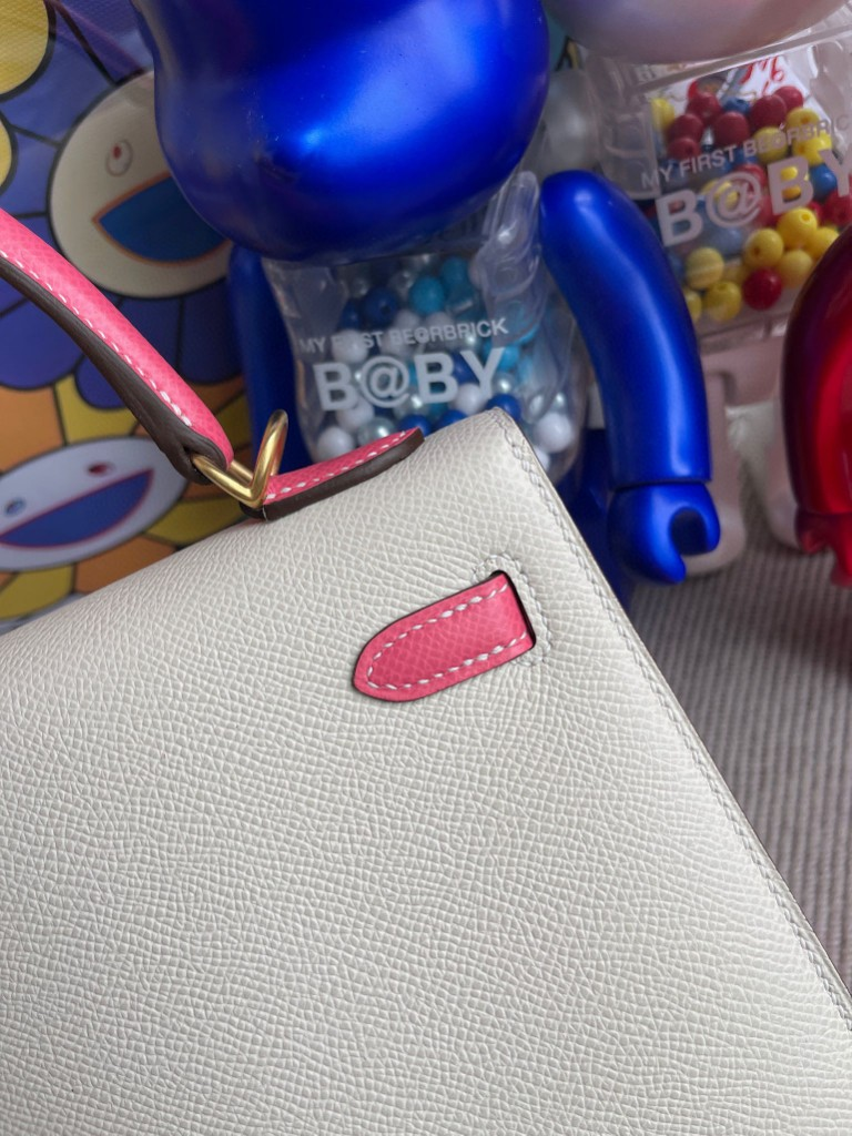 Hermès(爱马仕)Kelly 凯莉包 Epsom 原厂掌纹皮 ck10 奶昔白唇膏粉 磨砂金扣 25cm 马蹄印 顶级手缝