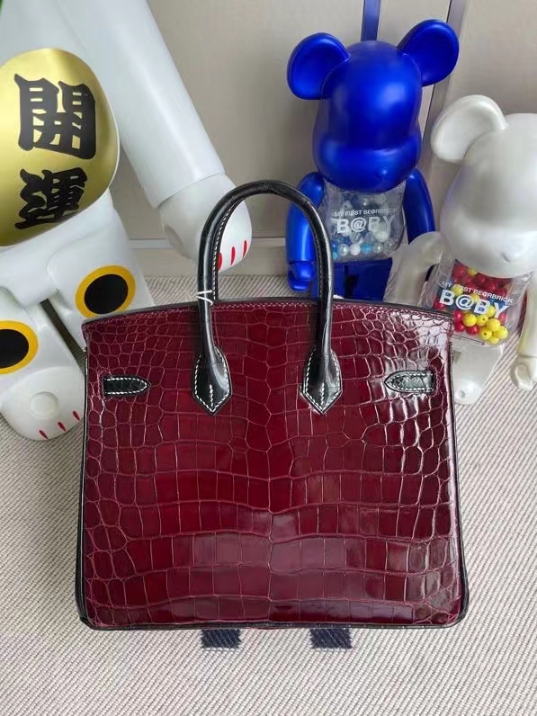 Hermès(爱马仕)Birkin 铂金包 Crocodile shiny 亮面鳄鱼 酒红拼黑色 金扣 马蹄印 25cm