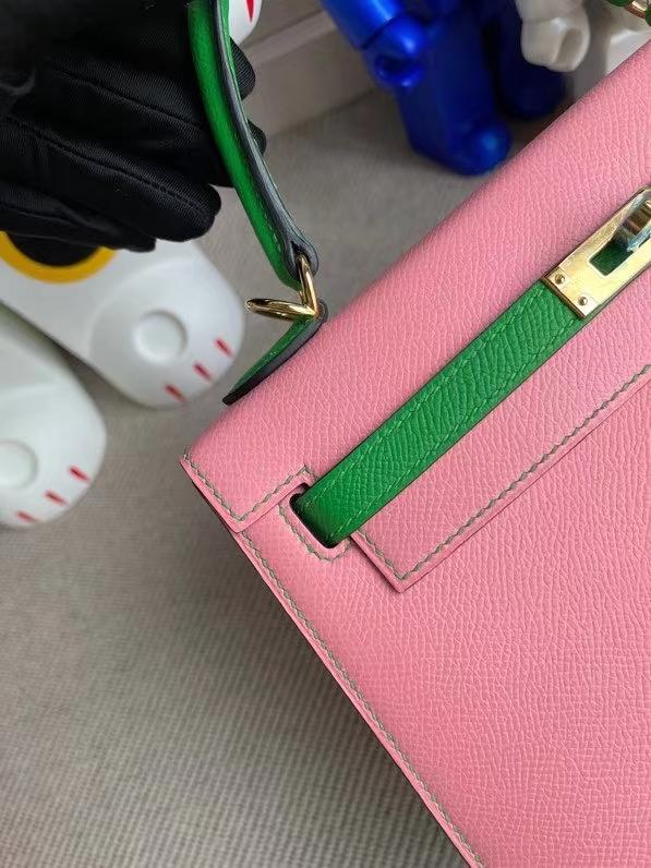 Hermès(爱马仕)Kelly 凯莉包 Epsom 原厂掌纹皮 1Q 奶昔粉 拼1k 竹子绿 金扣 25cm 顶级手缝