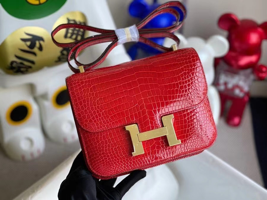 Hermès(爱马仕)Constance 空姐包 Porosus shiny 亮面鳄鱼 ck95 法拉利红 金扣 18cm 顶级手缝