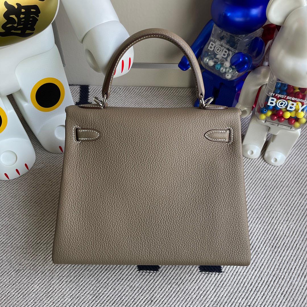 Hermès(爱马仕)Kelly 凯莉包 原厂小牛皮 togo ck18 大象灰 Etoupe 银扣 25cm 顶级手缝 现货
