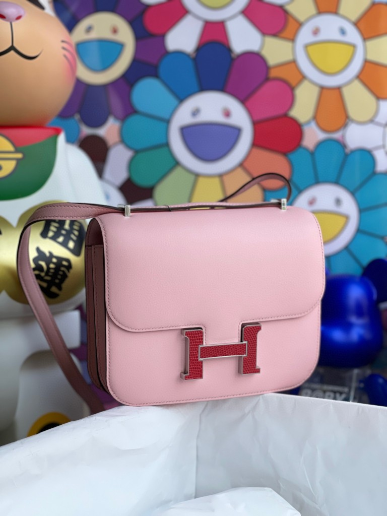 Hermès(爱马仕)Constance 空姐包 Swift 3Q粉 蜥蜴扣 银扣 18cm 顶级手缝 超美