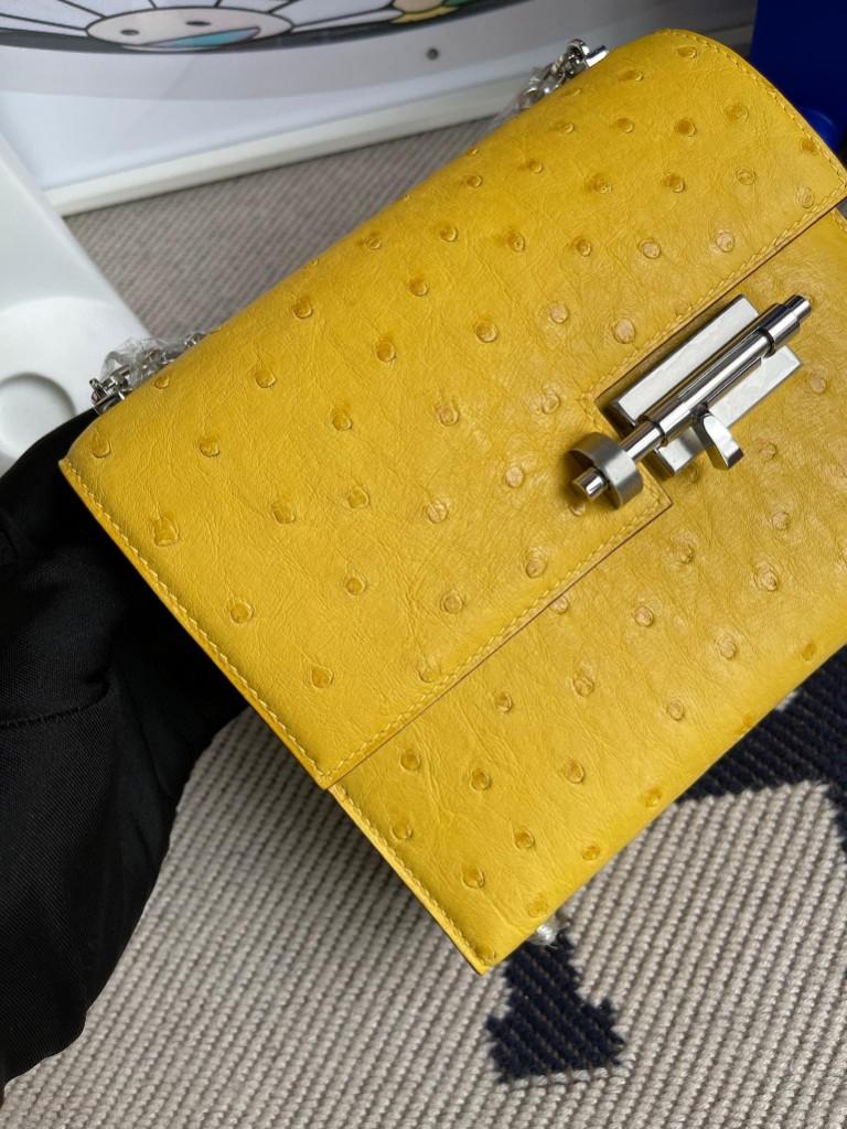 Hermès(爱马仕)Verrou 机枪包 Ostrich kk 鸵鸟 9R 柠檬黄 银扣 17cm 顶级手缝