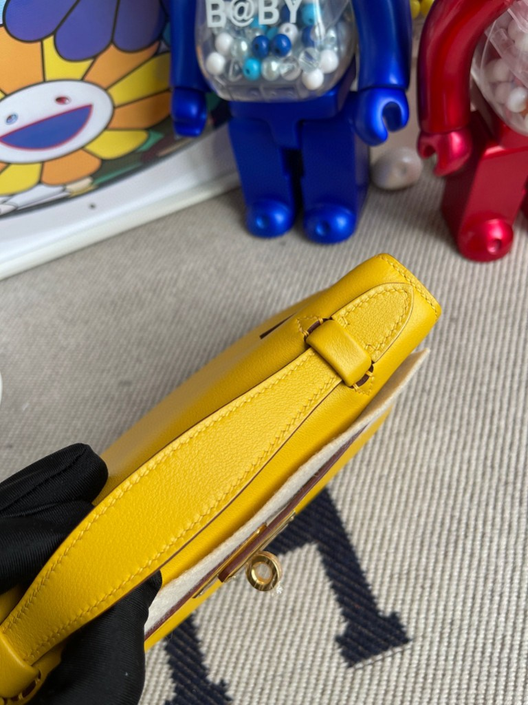 Hermès(爱马仕)Mini kelly pochette Swift 9D 琥珀黄 Ambre 金扣 22cm 手拿包 晚宴包